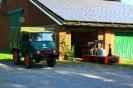 Unimog des Nutzfahrzeuge Veteranen Centers aus Oberhausen und Torso der DS 28 für die Historische Feldbahn Hofgut Serrig